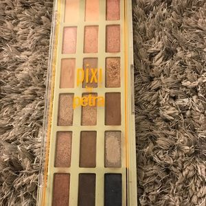 Pixi by Petra Eyeshadow Palette